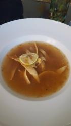 Supă de ceva cu lămâie